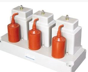 阻容自控式吸收器