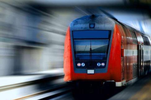 在建地铁电缆线辊滚落致3死12伤