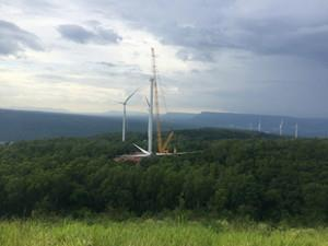 中国电建华东院在泰国承担的首个风电项目机组吊装完成