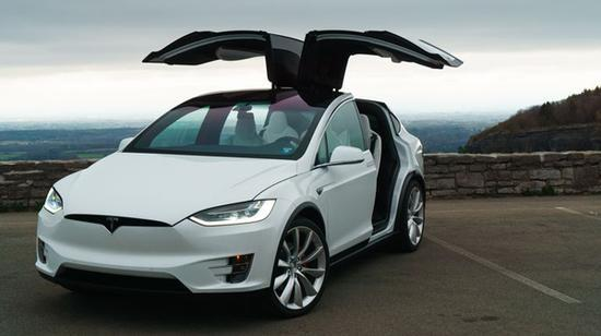特斯拉全球召回1.1万辆Model X SUV