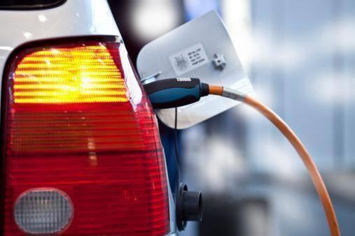 未来20年全球电动汽车激增 石油需求缓降