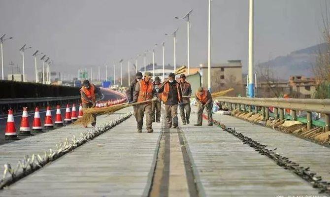 济南建全球首条光伏高速公路 年底通车