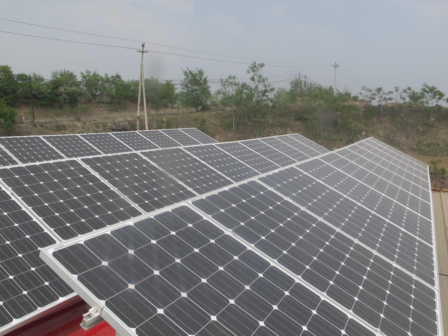 河南叶县120个贫困村光伏发电站实现并网发电