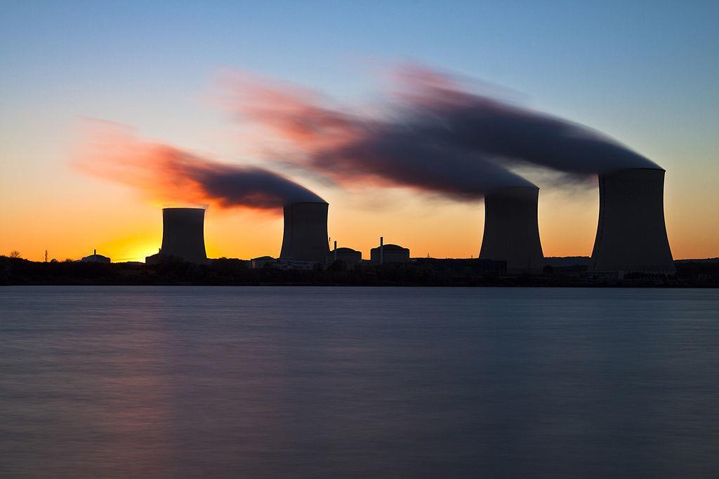 英国政府制定淘汰燃煤电厂的严格日期和限制