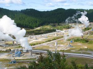 云南瑞丽分布式地热发电集装箱组项目发电试验成功