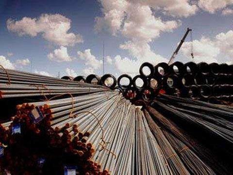 业绩预增 钢铁板块逆市上扬4.44%