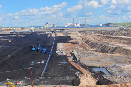 伊敏露天矿完成今年首个500万吨煤炭生产任务