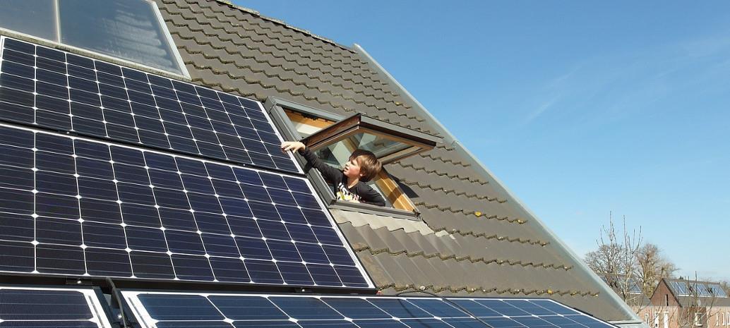 Q1全球小型太阳能项目投资增16%至143亿美元