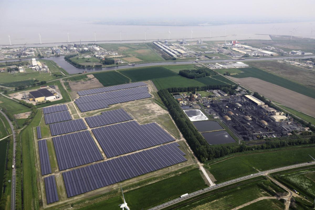 荷兰两大输电运营商扩容以便更多太阳能并网