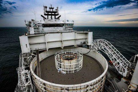 Hornsea Project One海上风电场敷设首条输出电缆