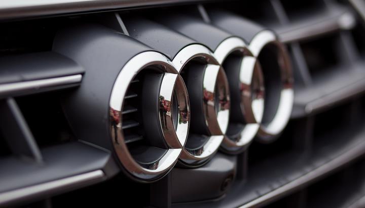 2025年奥迪拟销售80万辆全电动汽车及混合动力车