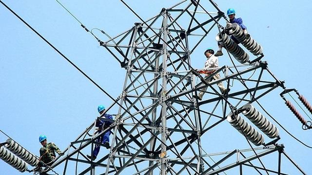 强对流天气致多地停电 安徽电力连夜抢修恢复供电