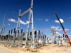 安哥拉卡曼贡变电站内110kV高压设备安装完成