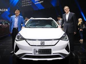 江淮大众首款量产新能源汽车思皓E20X正式下线