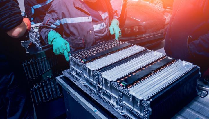 新电池技术可在数秒内实现电动汽车充电