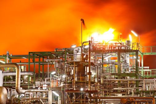 德国Bayernoil一炼油厂发生爆炸 8人受伤