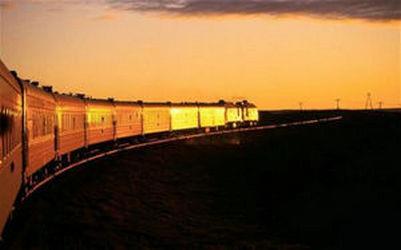 世界首条时速360公里沙漠高铁完工