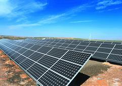 REC太阳能电池板为最大太阳能光伏电站供电