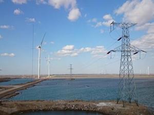 华润电力唐河九龙250MW风电项目首批风机成功并网发电