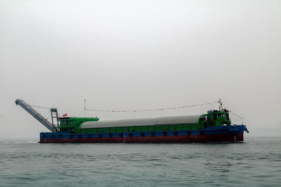 世界首艘千吨级新能源电动船顺利接船