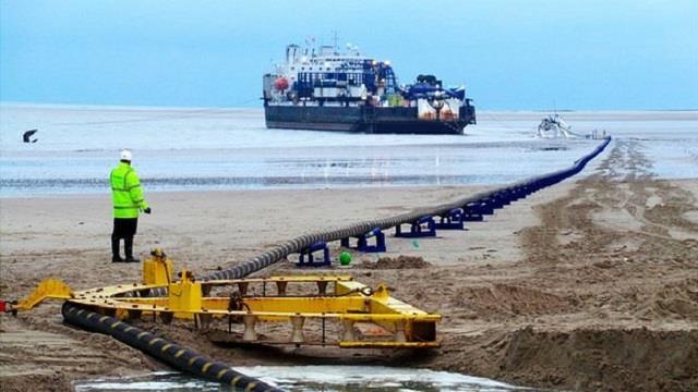 海南联网二回工程首根海底电缆于澄迈登陆