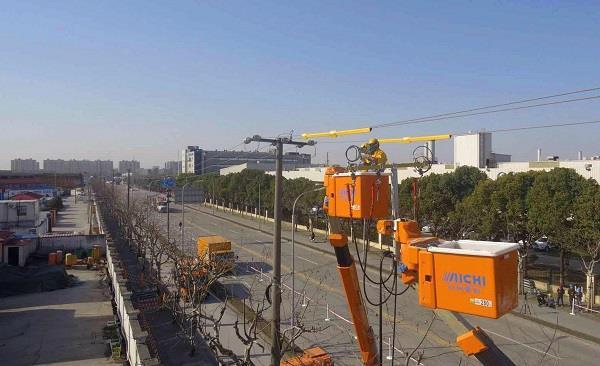 国网上海电力不停电升级改造3.1公里电力架空线