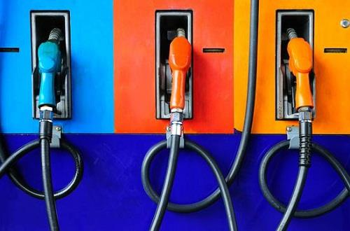 2月中国成品油进口量同比降10.1%