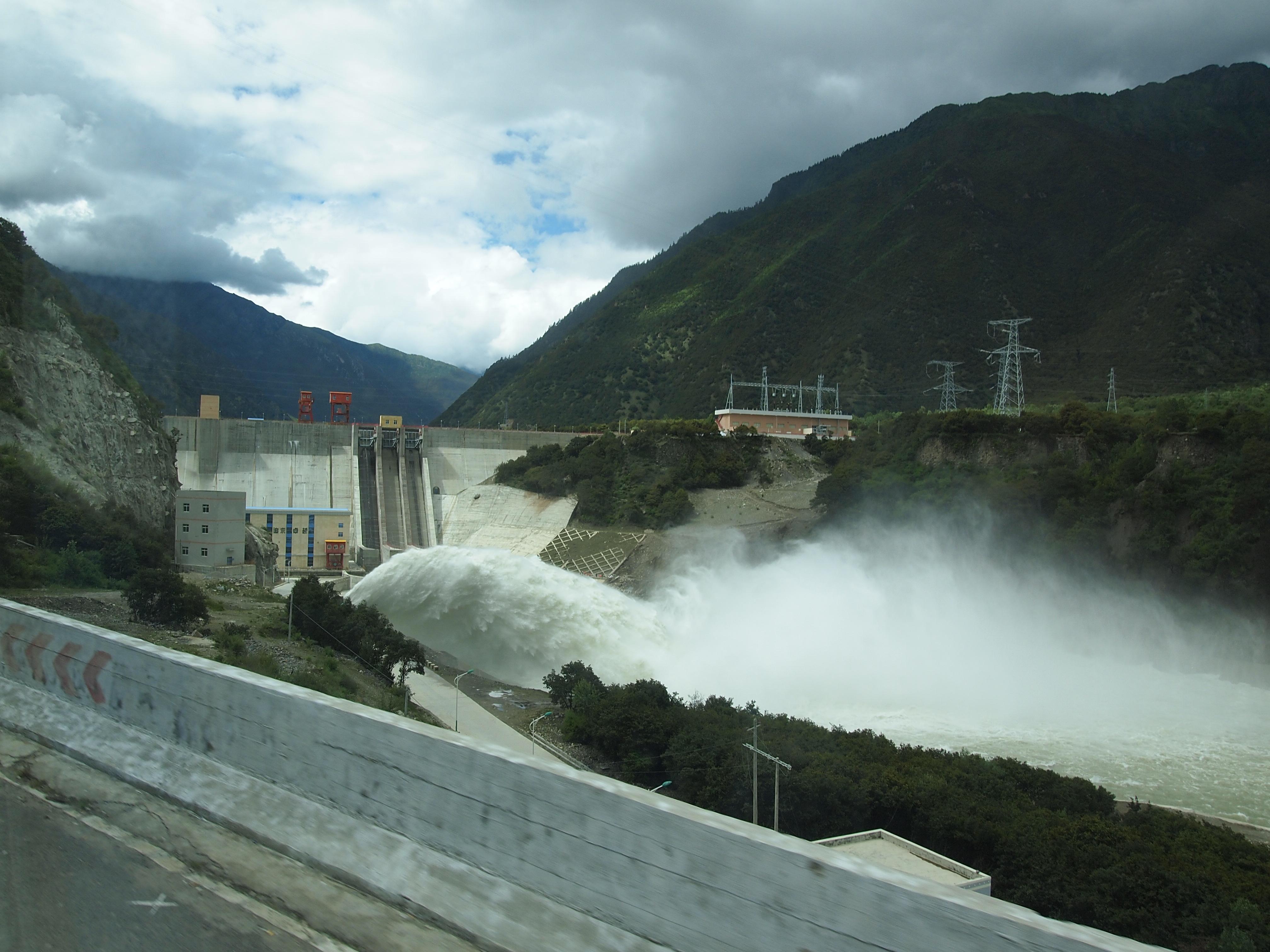 四川雅安周公河流域小水电整改:已拆3关17