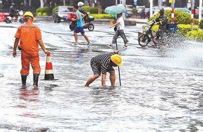 """台风""""白鹿""""携暴雨横穿广东 南方电网积极应对"""