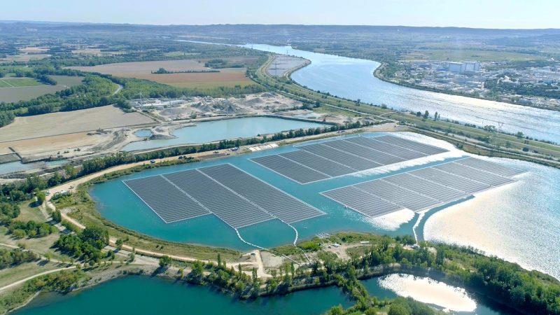 欧洲最大浮式太阳能光伏电站在法国落成
