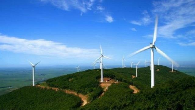 国家电投古交岔口48兆瓦风电项目首台风机并网发电