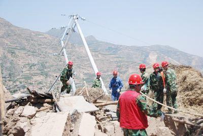 四川资中县发生5.2级地震电力企业全力抢险