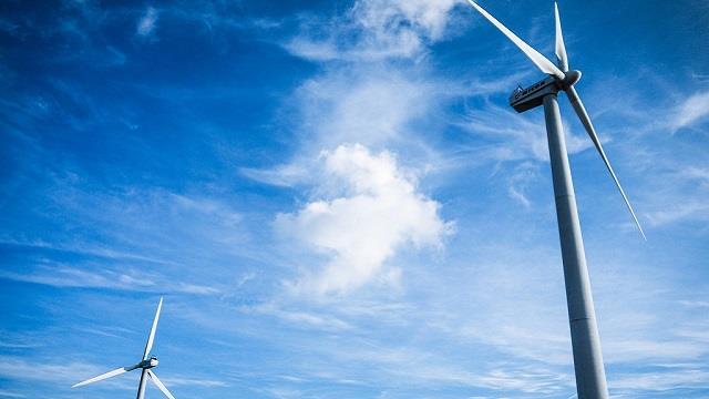 湖南资兴八面山风电场风机吊装完成