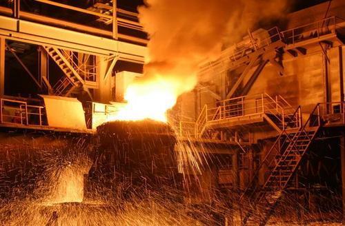 中国粗钢产量连续攀升4年后逼近10亿吨