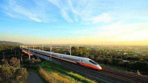 英国宣布重启高铁工程 以改善经济活动过度集中问题