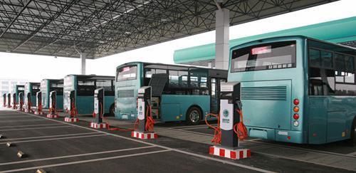 昆明大力推进新能源汽车配套设施建设 今年拟建80座充电站