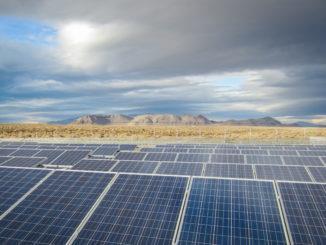 到2026年美国太阳能电池板清洁市场将达10亿美元