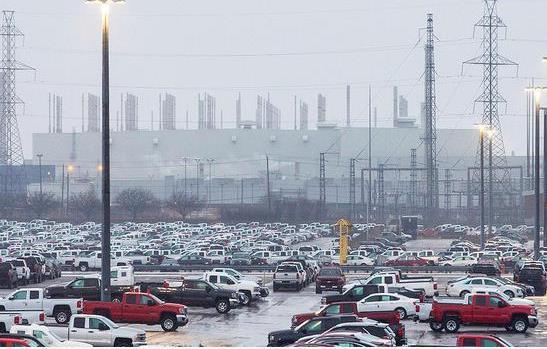 全球超150座汽车工厂临时停工 中国暂成全球车企避险地