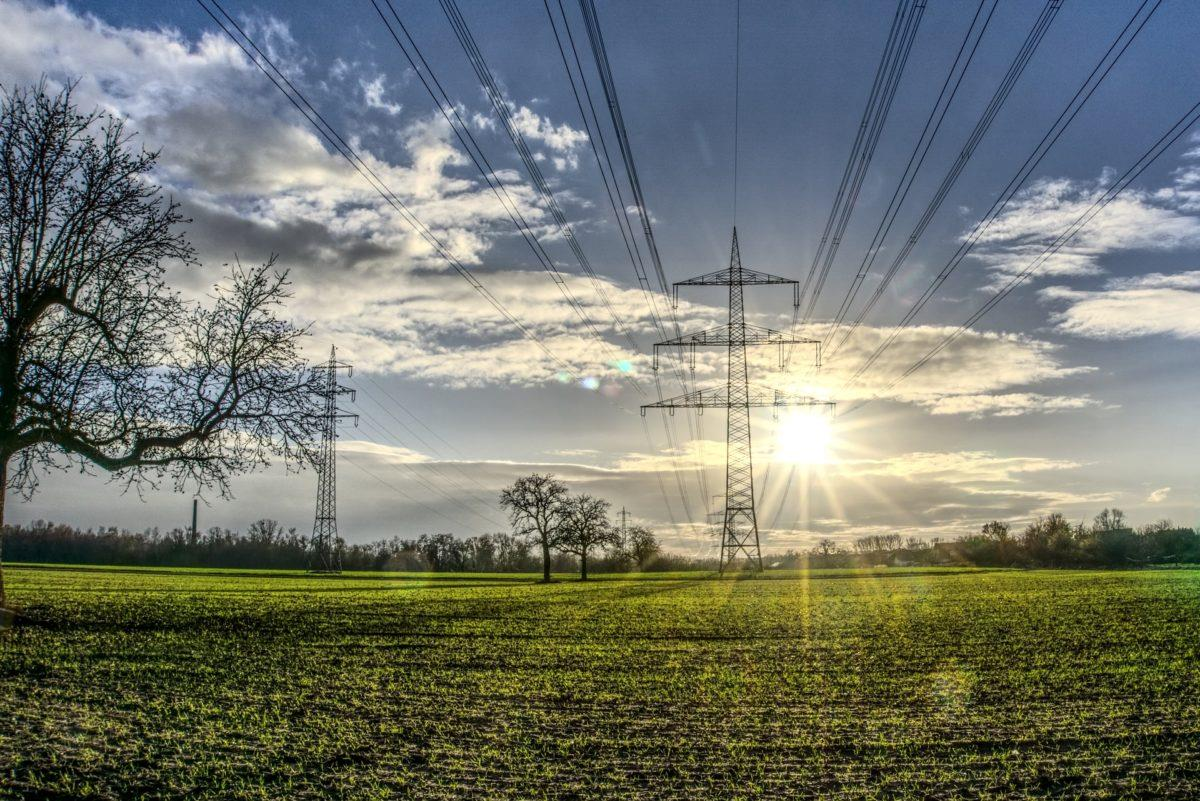 截止2019年全球累计并网光伏装机超580GW