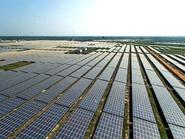 印度阿达尼绿色能源企业中标全球最大太阳能项目