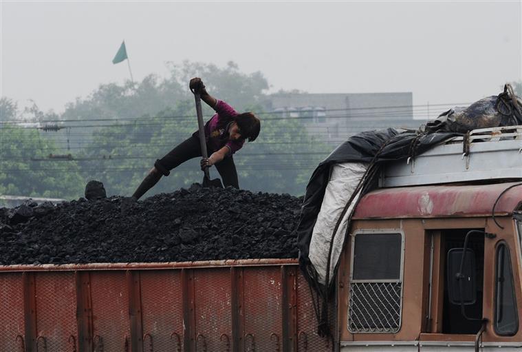 4-6月印度12大港口动力煤进口下降35%至1771万吨