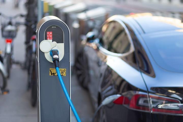 新能源车市分化加剧 消费均价逐年走高