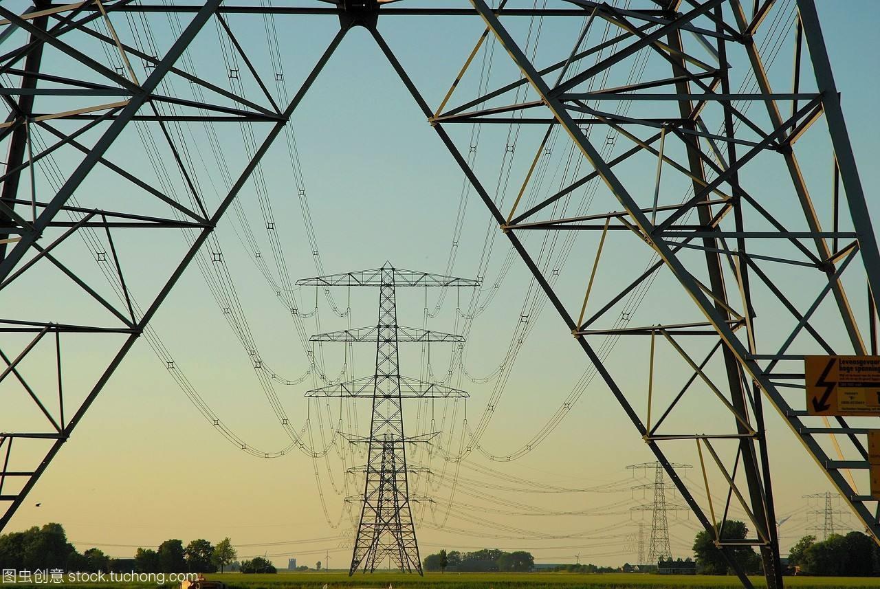 7月我国全社会用电量6824亿千瓦时 同比增2.3%