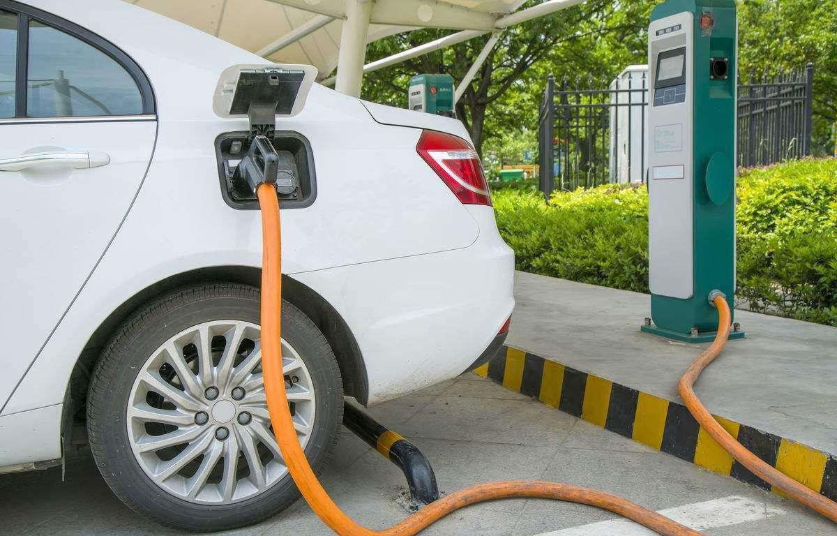 上半年中国新能源汽车出口3.69万辆 同比增长140.7%