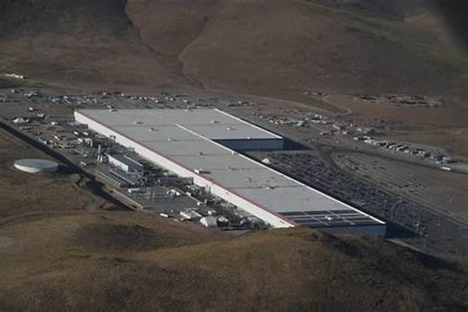 松下为特斯拉增设第14条电池生产线:容量大 成本低