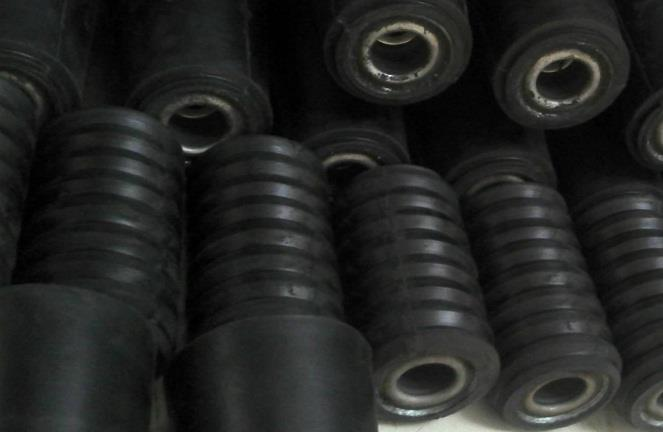 天然橡胶供需矛盾不减 市场报价不断走跌