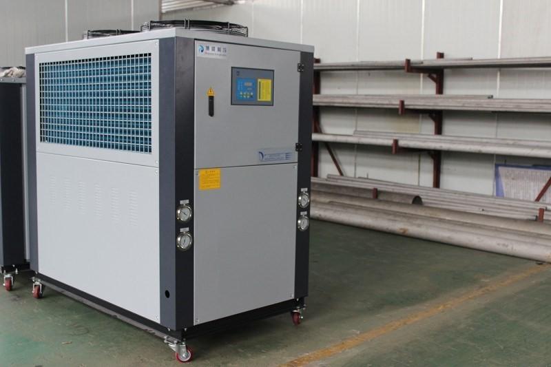 板材擠出機冷卻,用擠出機專用冷水機節能