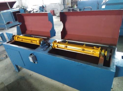 退火丝双段排刷无酸洗除锈机SC-03